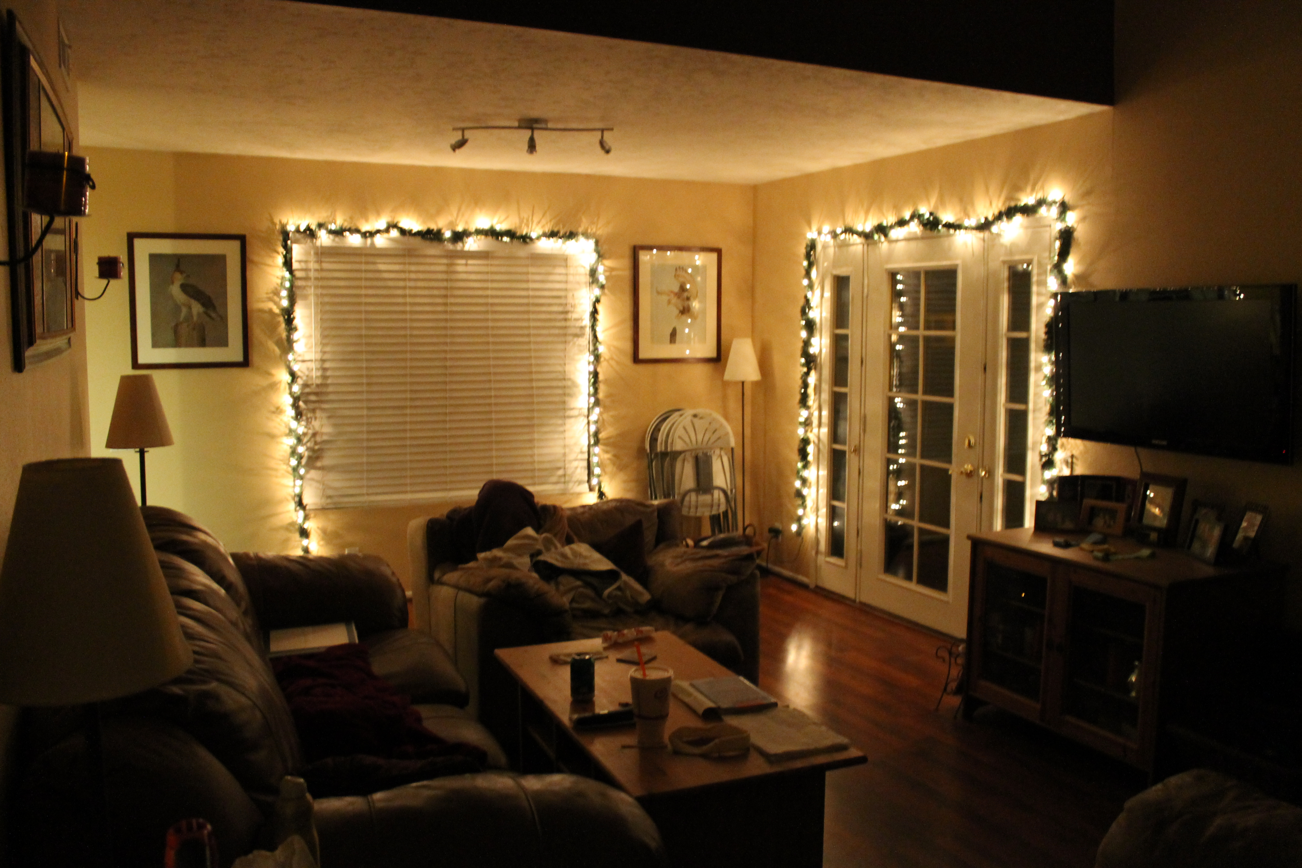 Get into the christmas spirit fotor 39 s blog - Light decorations for living room ...
